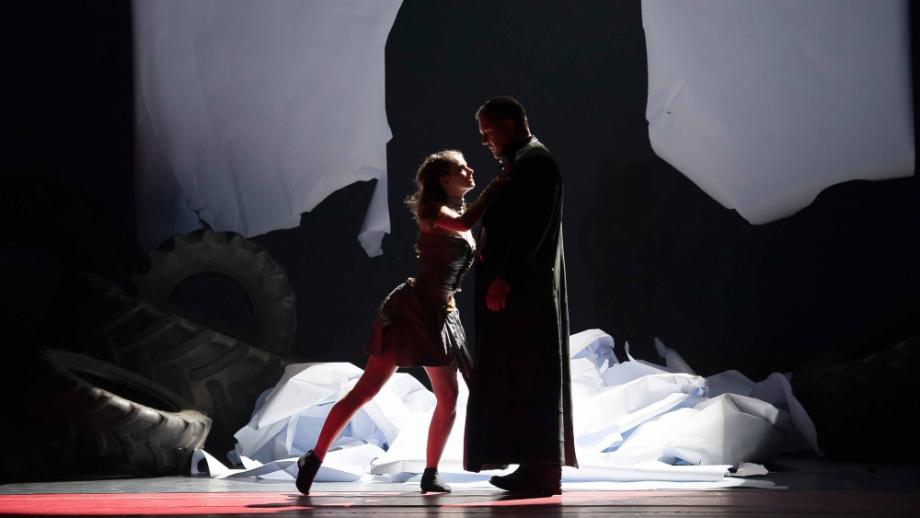 Die Ilias / Anastasia Bertinshaw und Christoph Wieschke