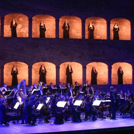 """50 Jahre """"The Sound of Music"""" Gala / Peter Ewaldt, Mozarteumorchester Salzburg und Statisterie"""