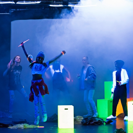 Tanztheater-Jugendclub Losgestartet