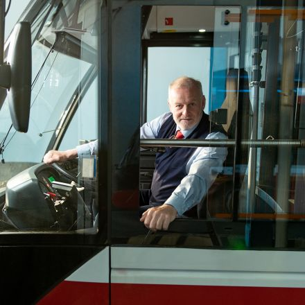 Der Busfahrer, der Gott sein wollte