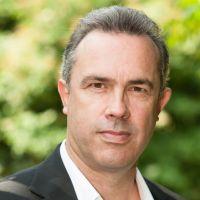 Simon Neal
