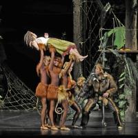 – Elisabeth Halikiopoulos, Gregor Hellinger und Ballett © Christina Canaval