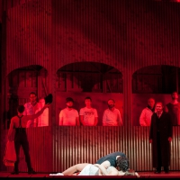 – Andeka Gorrotxategi, Oksana Volkova, Walter Sachers, Ballett und Chor © Anna-Maria Löffelberger