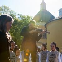 – Mirga Gražinyte-Tyla, Frank Stadler und Kinderchor © Anna-Maria Löffelberger