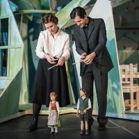 – Katharina Halus mit Marionette Kathi Hurler und Hanno Waldner mit Marionette Joseph Mohr © Christina Baumann-Canaval