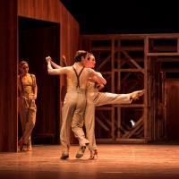 – Cassiano Rodrigues und Chigusa Fujiyoshi, Ensemble © Tobias Witzgall / SLT