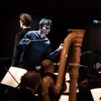 – Leslie Suganandarajah und Mozarteumorchester Salzburg © Anna-Maria Löffelberger